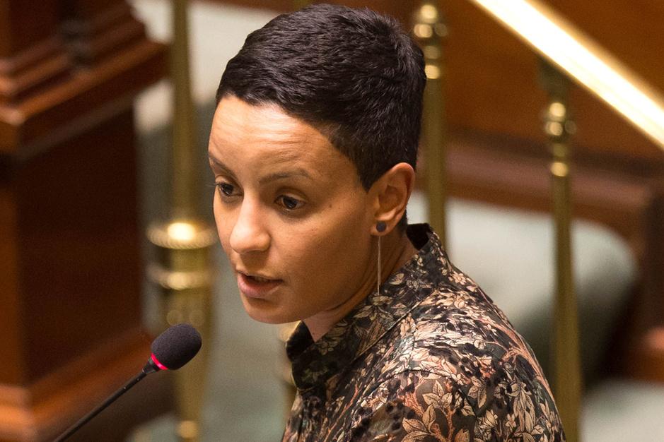 Meryame Kitir (SP.A): 'Schaf alle ereloonsupplementen af voor coronapatiënten'