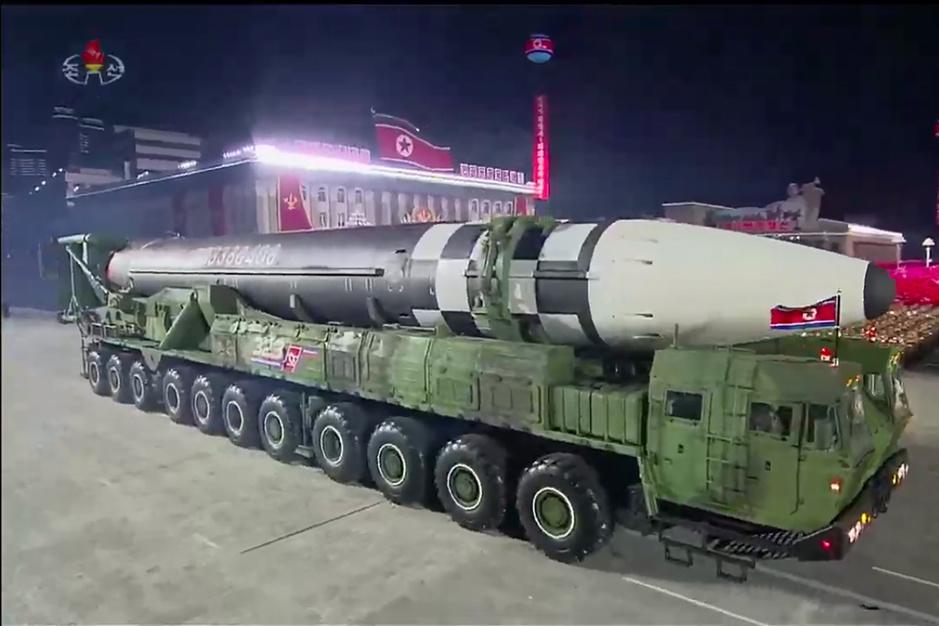 Wat weten we over de nieuwe enorme Noord-Koreaanse raketten?