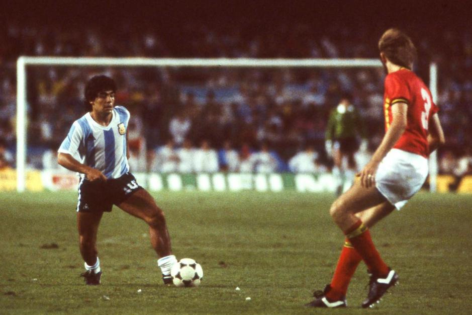Sport/Voetbalmagazine sprak exclusief met Diego Maradona... in mei 1982