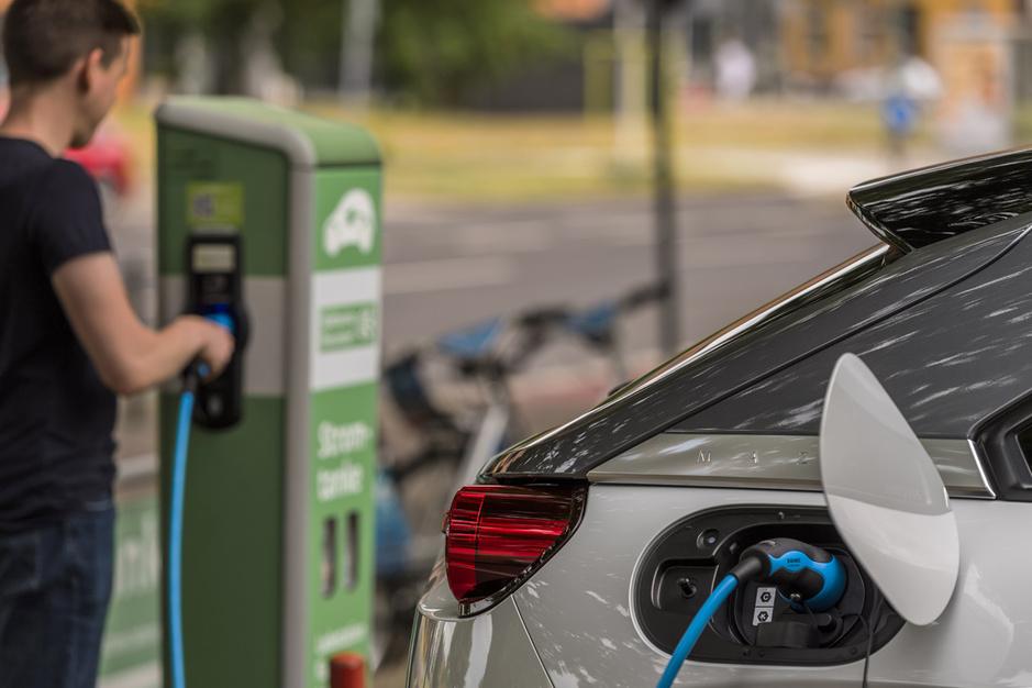 Wat weet de Belg écht over elektrisch autorijden?
