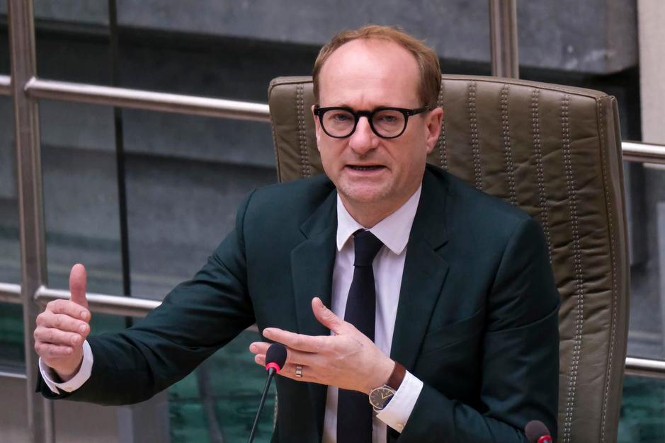 Kroniek van de week: imbroglio over kleuteronderwijs en paars 'parfum de corruption'