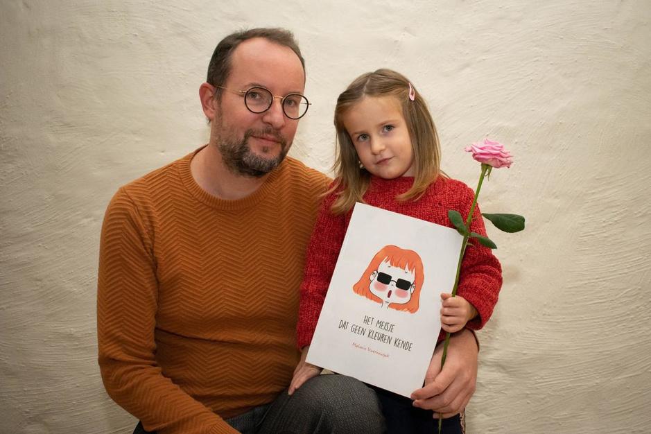 """Jonathan brengt kinderboek overleden vriendin uit: """"We willen taboe over psychisch lijden doorbreken"""""""