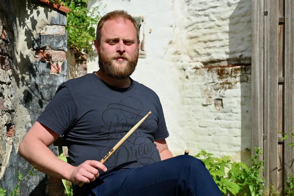 """Xan, drummer bij bekendste Belgische reggaebands: """"Reggae is happy en triestig tegelijk"""""""