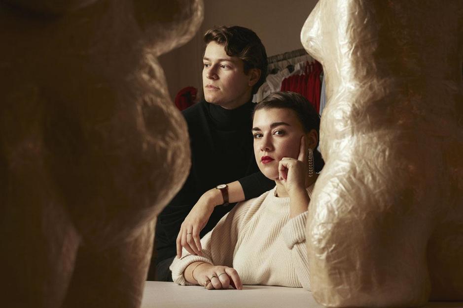 'Wij zijn geen tovenaars': het koppel achter het one size fits all-merk Ester Manas