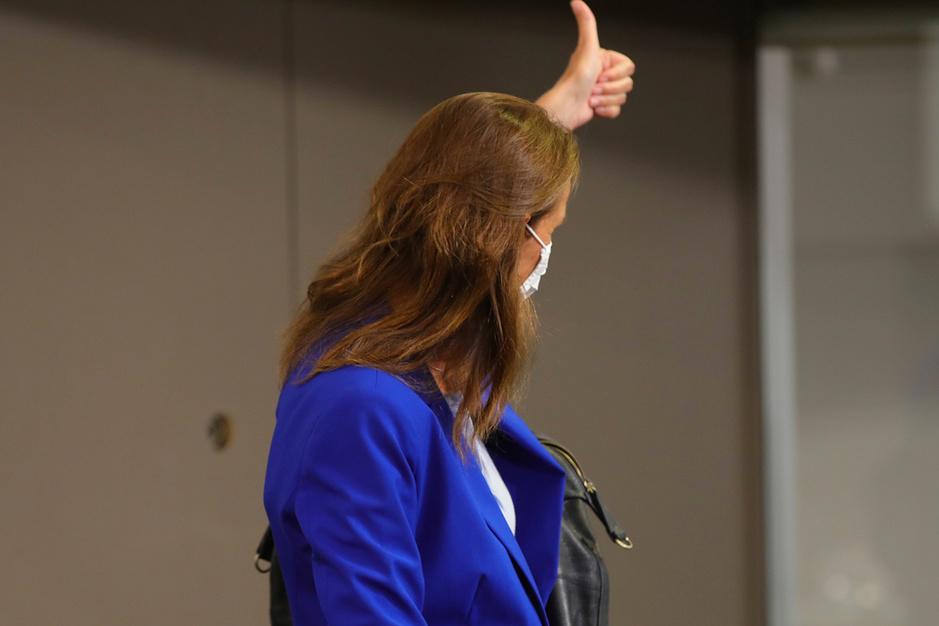 Pleegt Sophie Wilmès een 'staatsgreep'? 'Er is geen juridisch probleem'