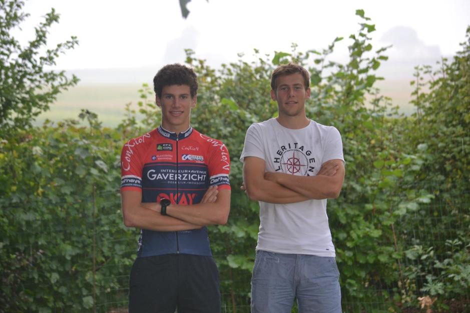 Junior Alec Segaert rijdt, gesteund door broer en trainer Loïc, het EK in Plouay