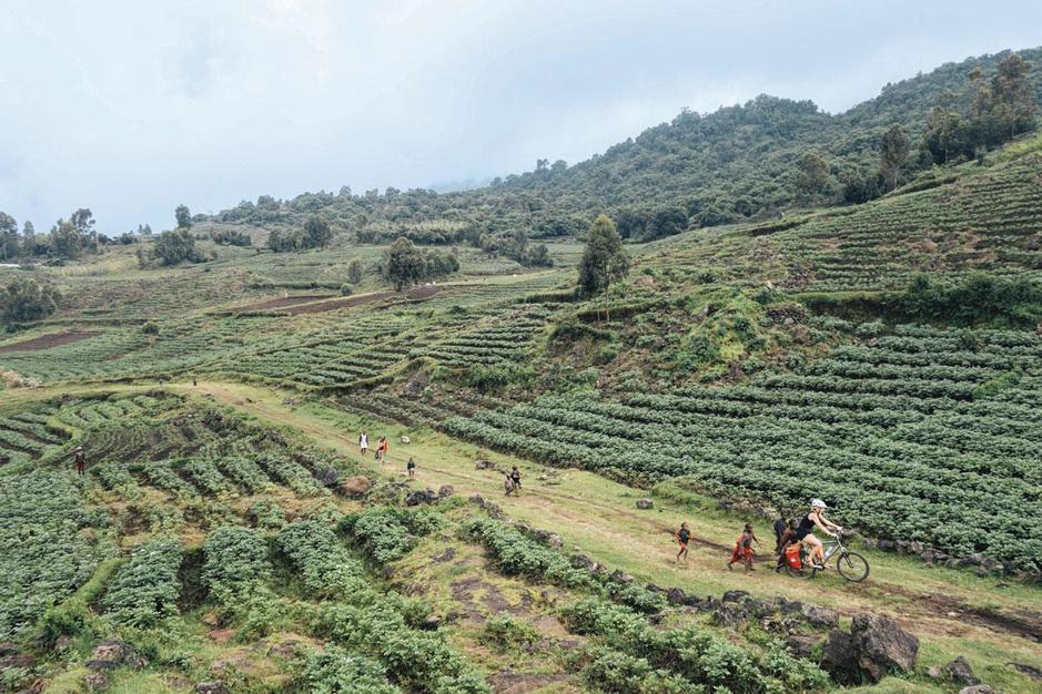 Door het stof: Rwanda en Oeganda per fiets