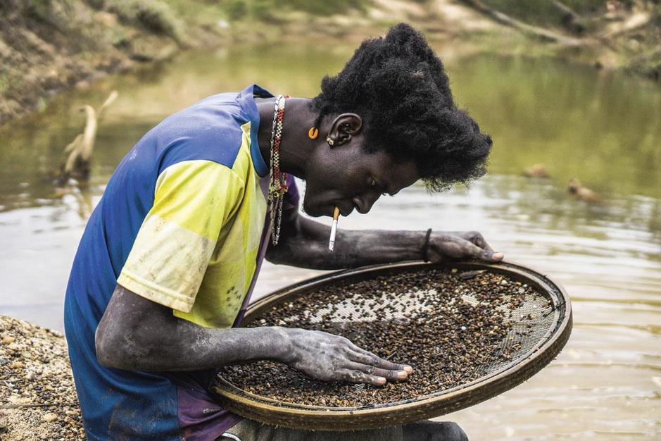 Illegale goudhandel: op bezoek bij smokkelaars en mijnbouwers in de jungle