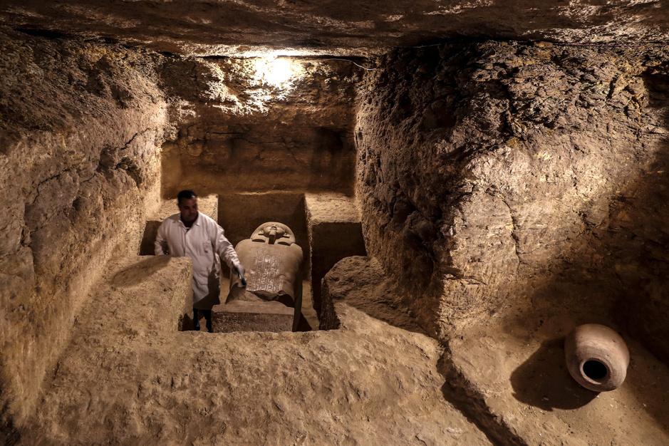Zestien 2.500 jaar oude goedbewaarde graftombes ontdekt in Egypte