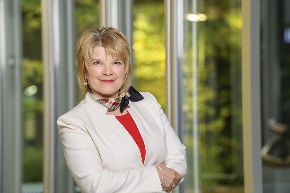 Bayer-dealmaker Marianne De Backer: 'Laat je niet afleiden door mensen voor wie het glas halfleeg lijkt'