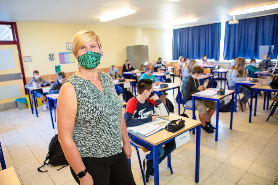 """Discussie over mondmaskers op school barst los: """"Te vroeg om plicht nu al los te laten"""""""