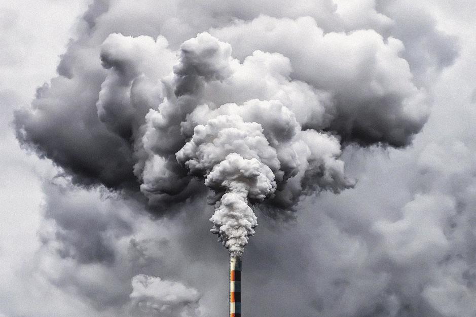 De vervuiler betaalt níét: hoe de industrie geld verdient met haar CO2-uitstoot