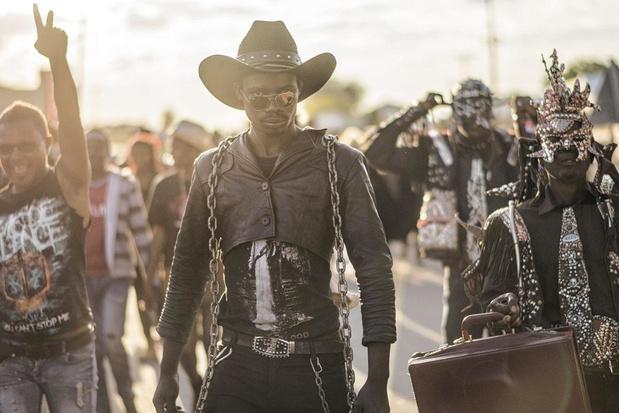 Ook in Botswana leven er metalheads, zoals je in fotoboek 'Hellbangers' kan zien