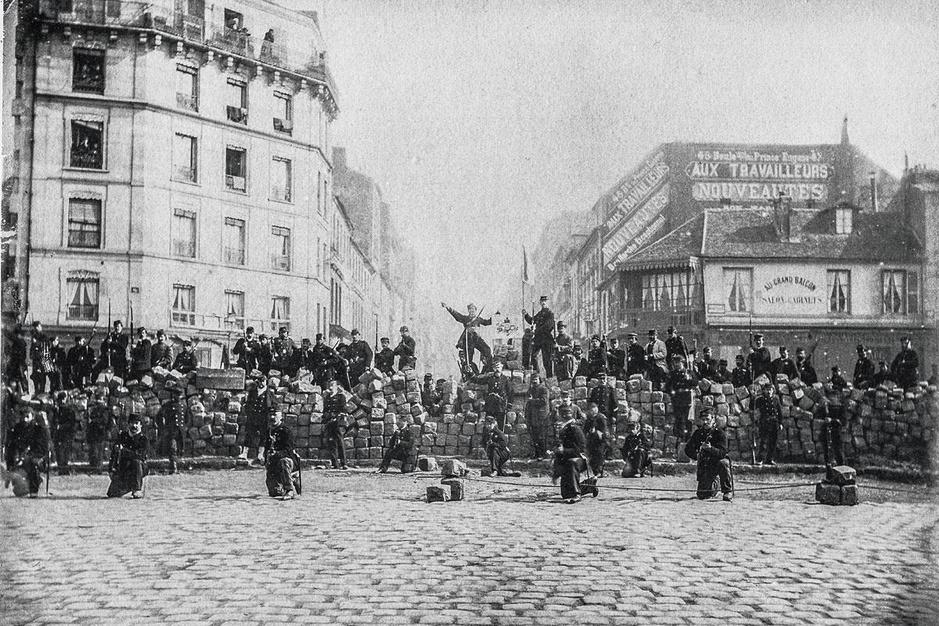 De Parijse Commune: sociale strijd, bloedbad, mythe én mediagebeuren