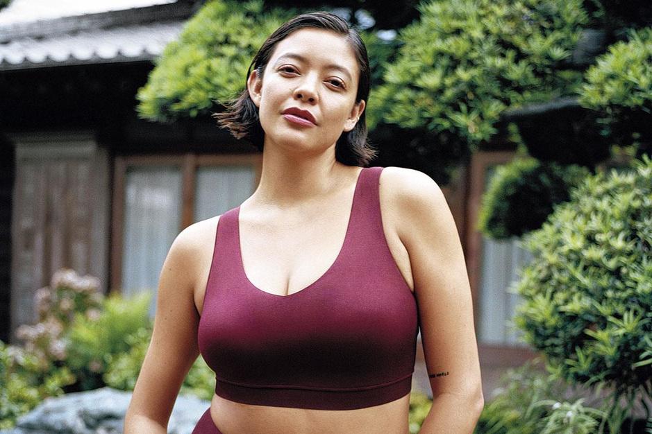 De borst bevrijd: wat de #nobra-beweging écht doet veranderen