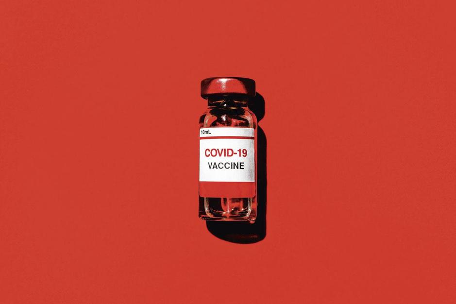 Coronacrisis: hoe vaccinatie een welles-nietesspelletje werd