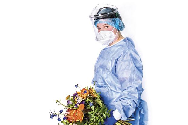 Verpleegkundige Cynthia Denduyver: 'Het zwaarste is dat onze patiënten zo eenzaam zijn'
