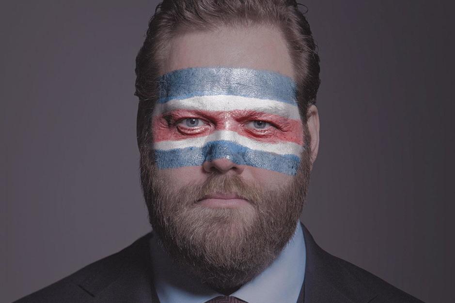 In 'The Minister' moet Twitter de democratie redden. En wordt een boom naar Björk genoemd