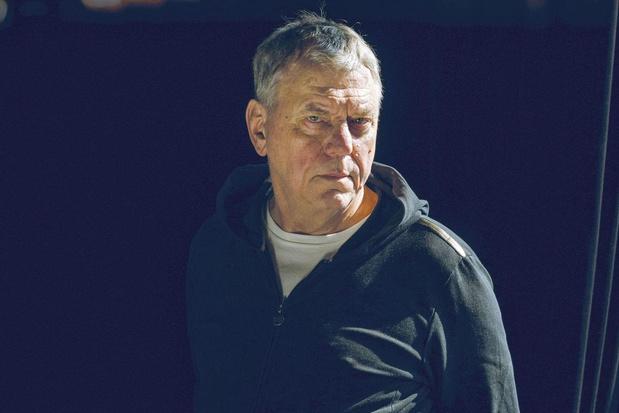 Regisseur Johan Simons: 'Net nu moet het theater zijn veerkracht tonen'