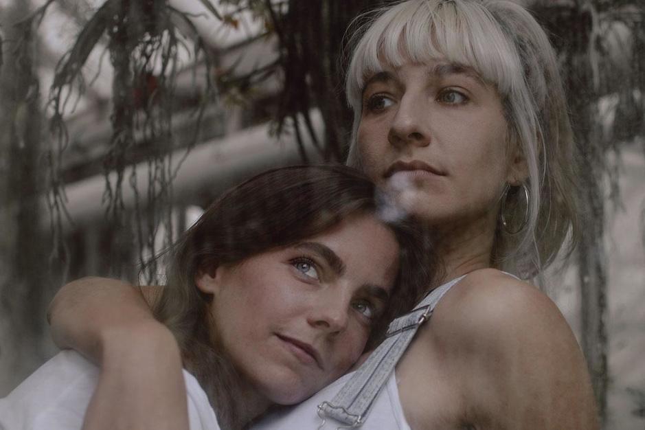 Regisseursduo Floko Films: 'Als ik nog één lesbienne in een korset zie, ga ik echt kwaad worden'