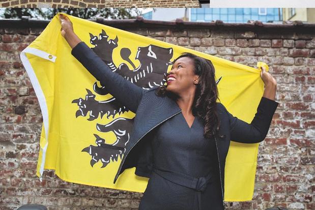 De vlag van Assita Kanko (N-VA): wie lakte de nagels van de Vlaamse Leeuw?