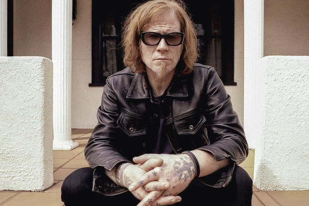 Mark Lanegan doorploetert berouw en schuld op 'Straight Songs of Sorrow'