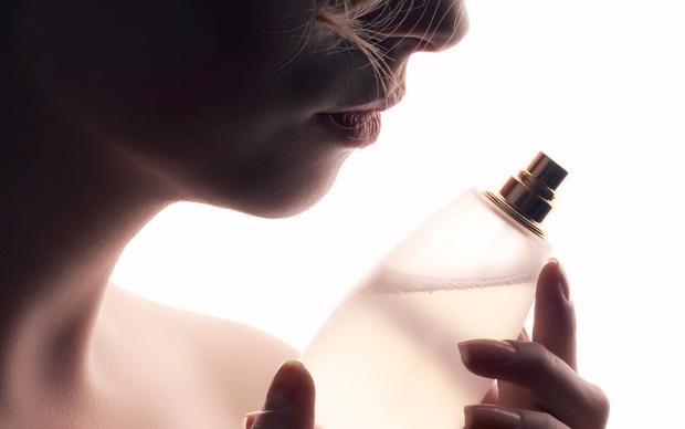 Le summum du luxe: s'offrir un parfum entièrement sur mesure