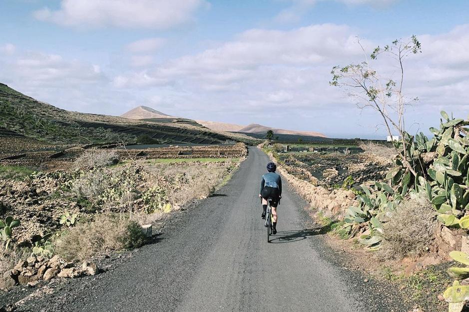 Covid doet koersen: het coming-of-ageverhaal van een wielertoerist op Lanzarote