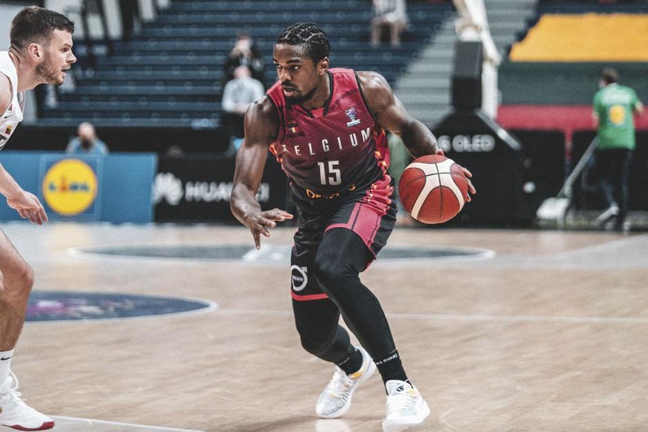 Basketbalster Retin Obasohan: 'LeBron James zal in z'n eentje het racisme niet uit de wereld helpen'