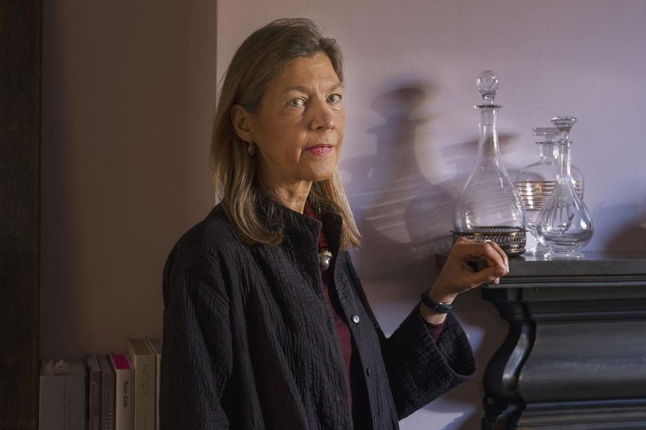 Experte Heidi Larson: 'We moeten vaccintwijfelaars niet aan de schandpaal nagelen'