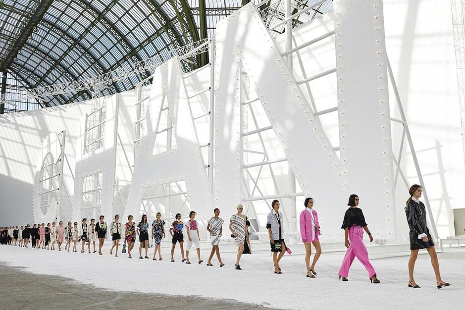 Van digitale defilés tot upcycling: kroniek van een ongewone modeweek