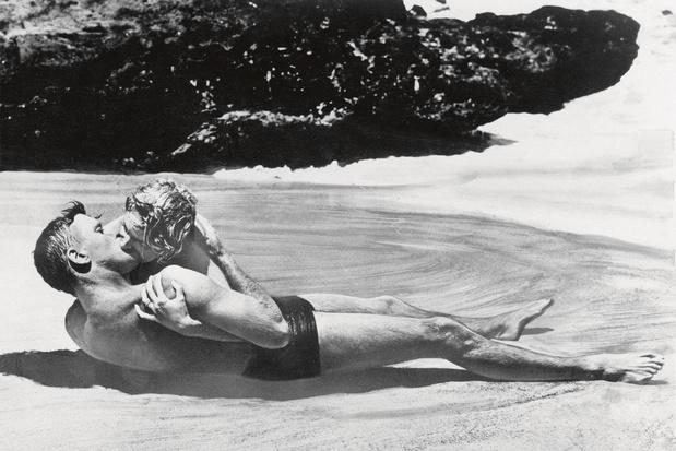 De beroemdste stranden uit de filmgeschiedenis: natte kussen op Eternity Beach