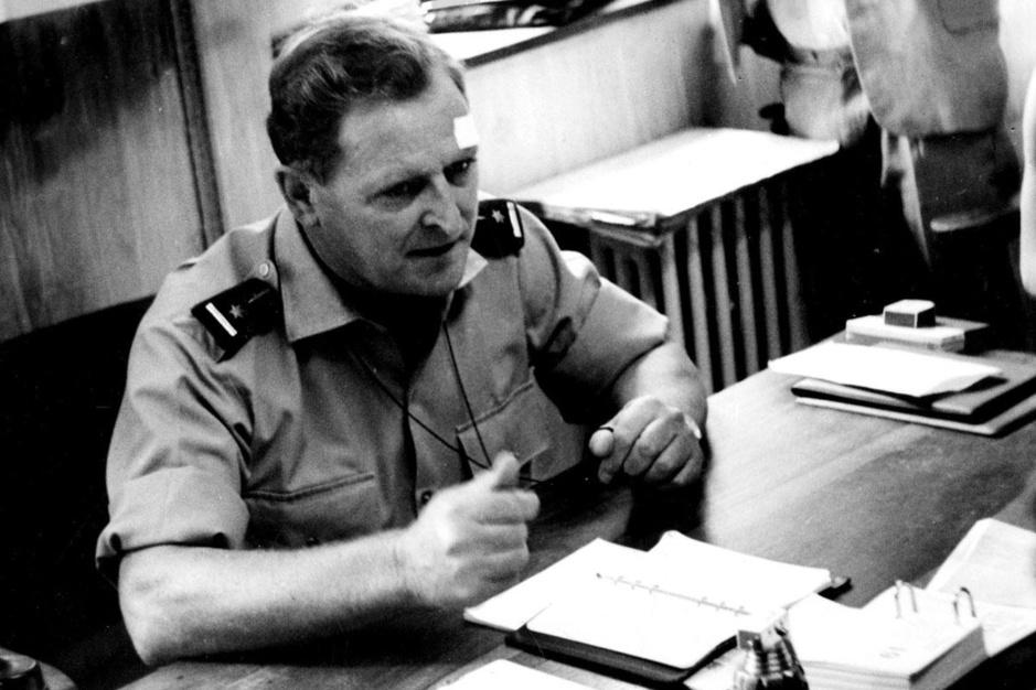 Mike Hoare (1919-2020): boekhouder, safarigids en omstreden huurlingenleider in Congo