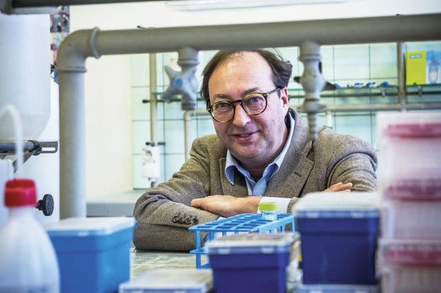 Chris Cardon, de Vlaming die het ideale vaccin wil maken: 'We mikken op dubbele bescherming' - Knack.be