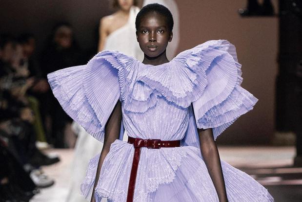 Couture opent modebal: brengt 2021 beterschap voor de modewereld?