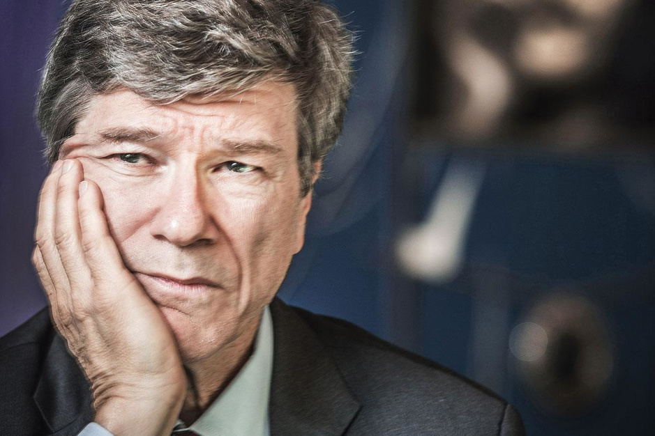 VN-adviseur Jeffrey Sachs: 'De oliebedrijven moeten sluiten'