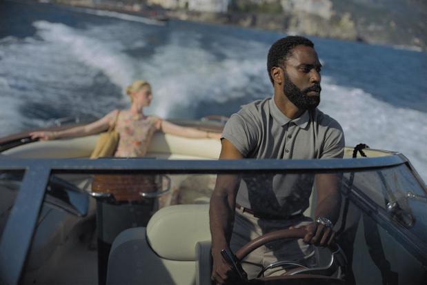 Met het rotambitieuze 'Tenet' duwt Christopher Nolan James Bond van zijn troon