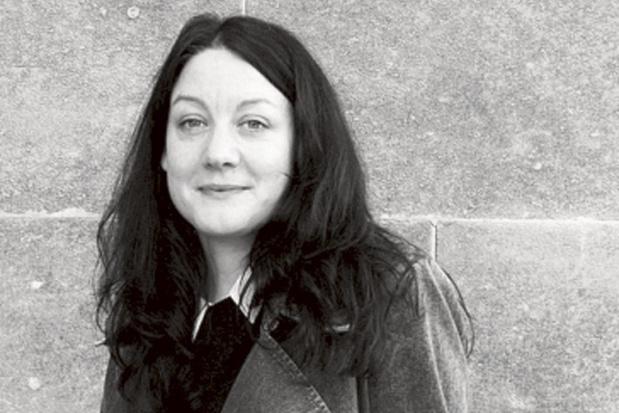 Britse schrijfster Helen Macdonald weigert aan ecopessimisme toe te geven in 'Schemervluchten'