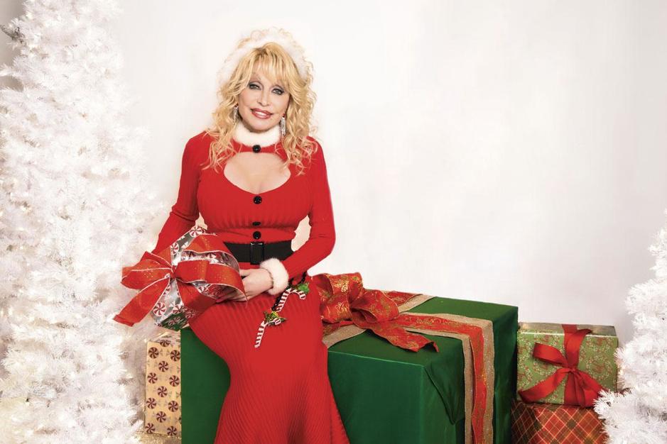 Dolly Parton communiceert nog via fax, en toch is ze de meme queen van 2020