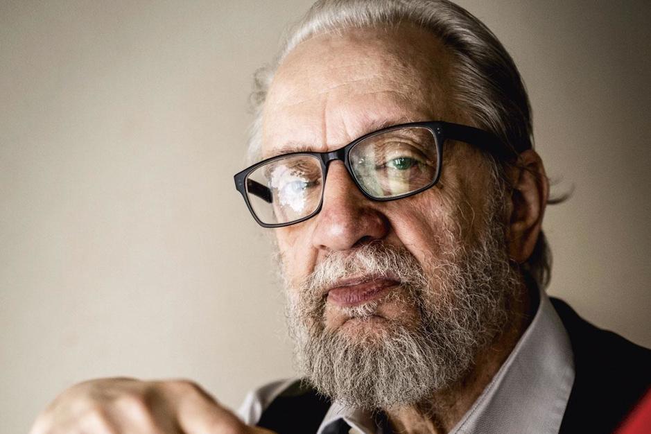 Schrijver Walter van den Broeck wordt 80: 'Het leven is nu eenmaal een vergissing'