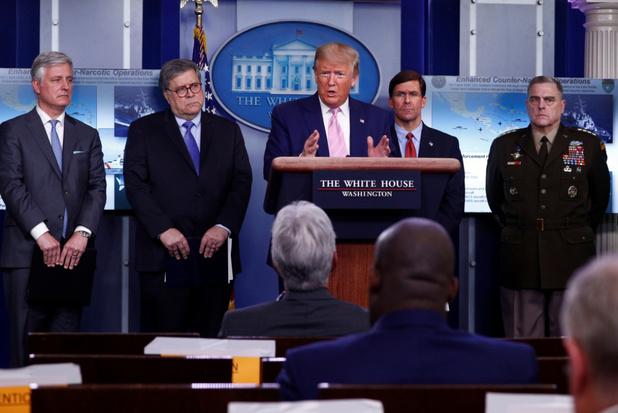 Trump haalt oorlogswet van stal voor beademingsapparaten