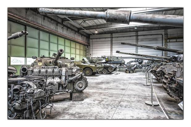 Défense: les casseroles du patron du Musée de l'armée