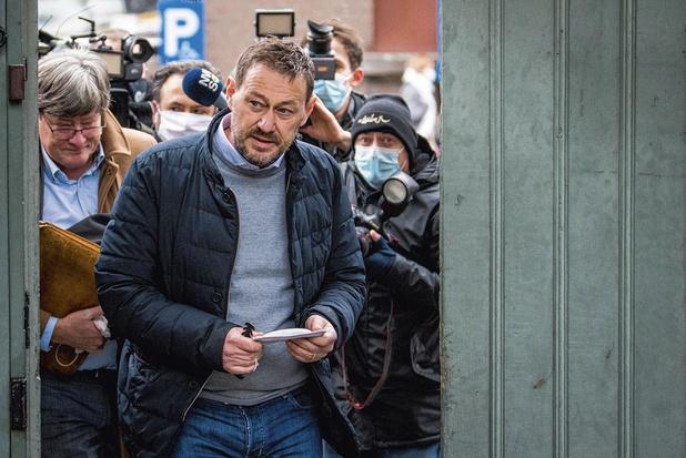 L'ex-vedette télévisée Bart De Pauw devant le tribunal pour harcèlement: pourquoi l'affaire secoue la Flandre