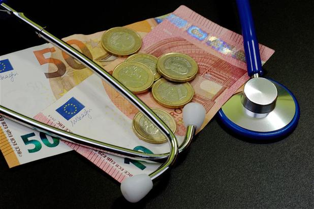 """L'Absym demande d'accorder aux médecins indépendants l'accès au """" droit passerelle """" doublé"""