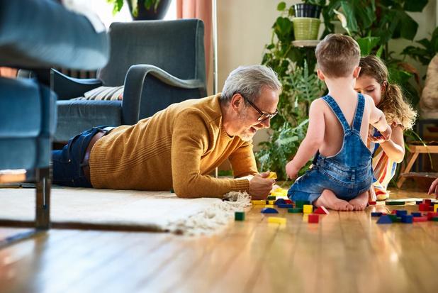 Vlaamse Ouderenraad vindt leeftijdsgrens voor grootouders discriminerend