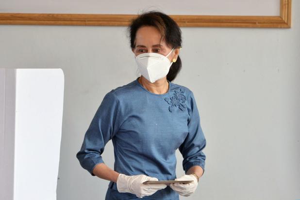Proces tegen Aung San Suu Kyi begonnen