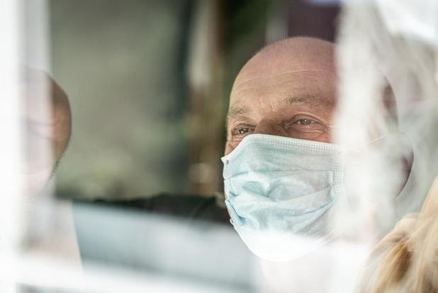65-plussers achten de kans klein dat ze het coronavirus oplopen