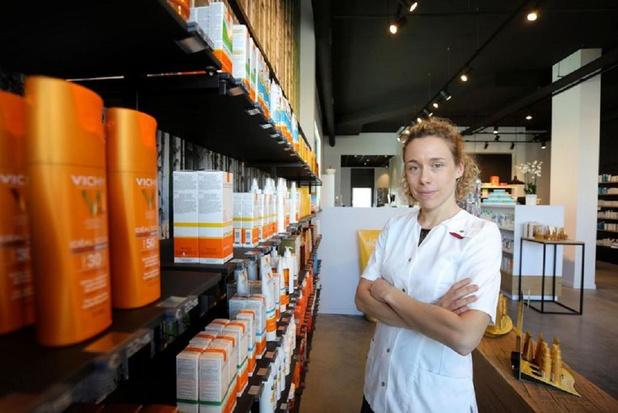 Knokke Actueel Magabook bedankt apothekers voorde goede zorgen