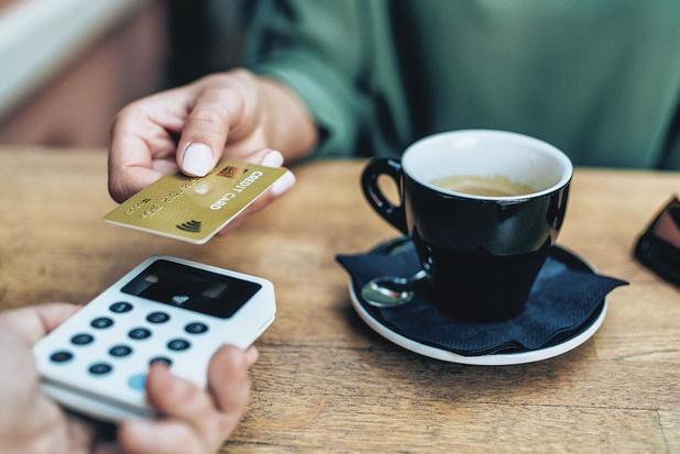 Een op drie betalingen is contactloos