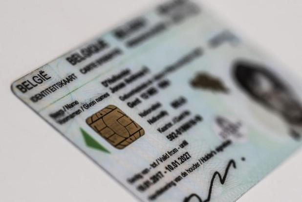 Man die identiteitskaart en rijbewijs liet namaken in het Duits krijgt 6 maanden cel